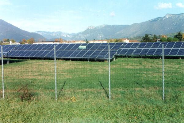 Recinzione in rete metallica per impianti fotovoltaici